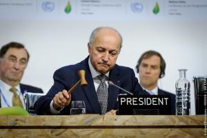 Laurent Fabius, ex président de la COP21 en salle plénière du comité de Paris, COP 21